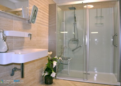 Cabine de douche grand format