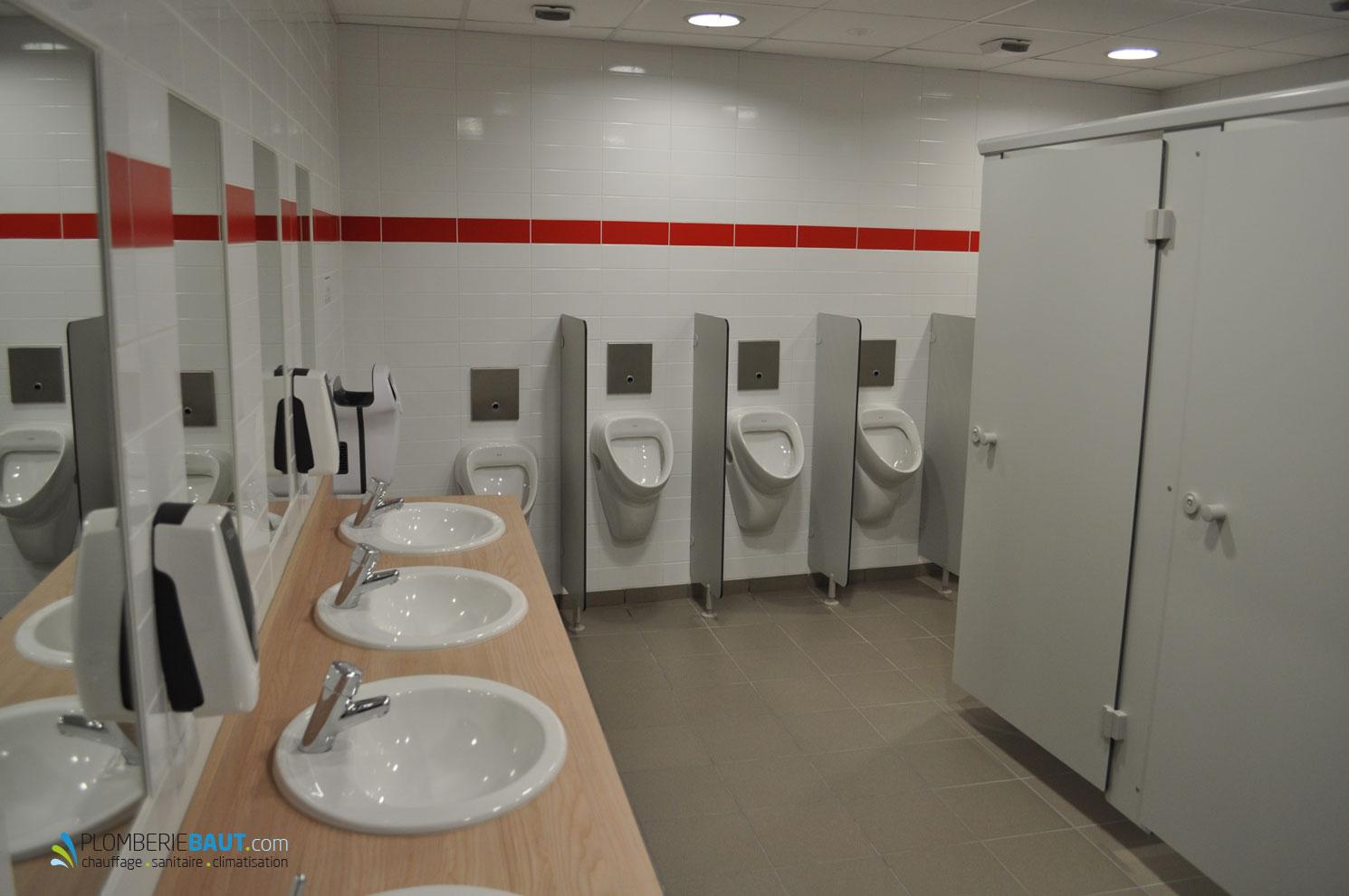 Toilettes pour salle de spectacle